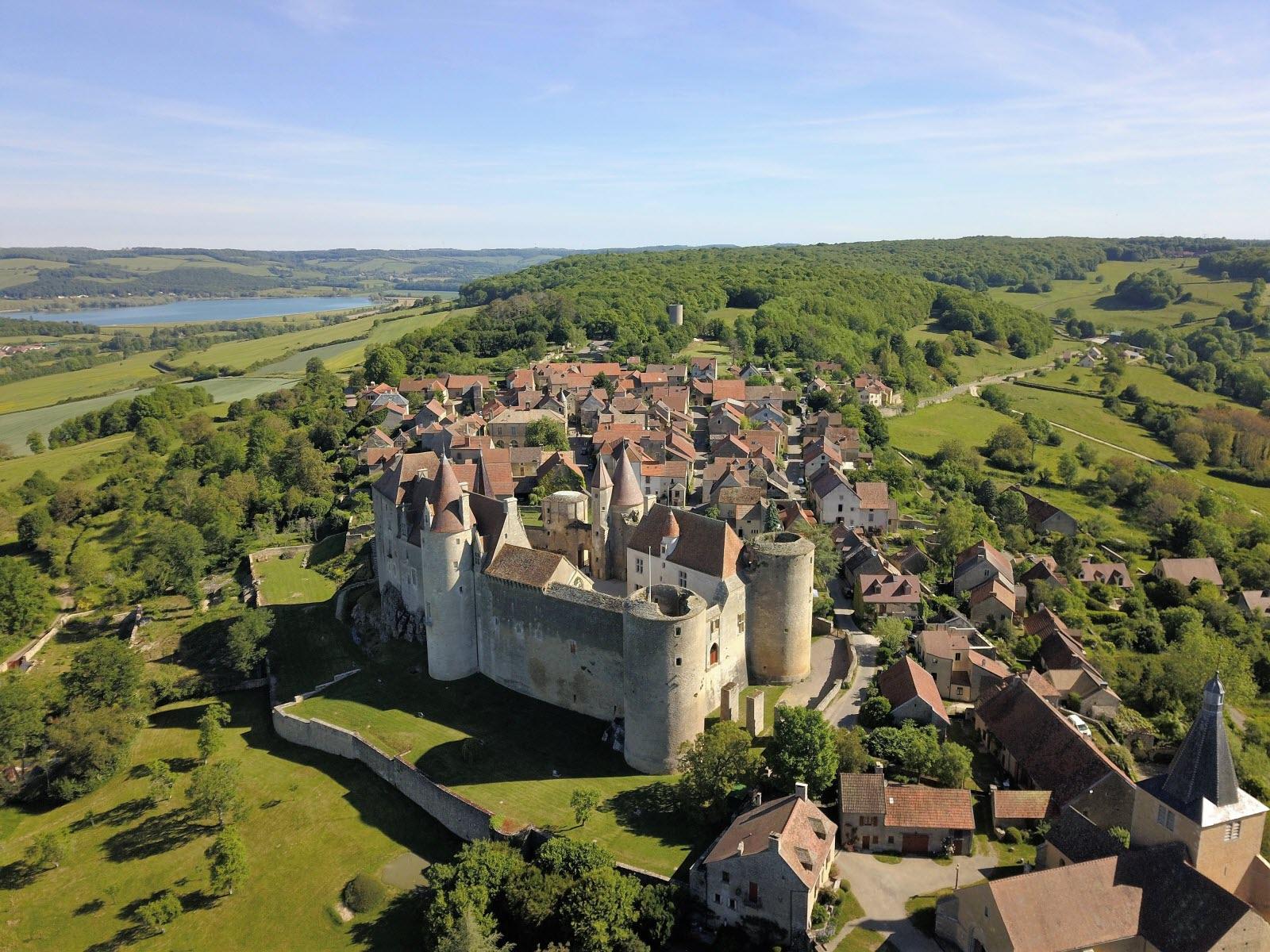 - Bourgogne : les 5 plus beaux villages de la région - 2021 - 3